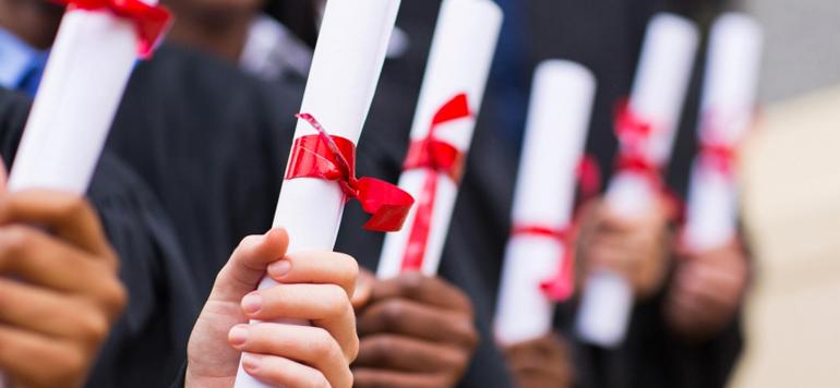 authentifier diplôme ruban rouge