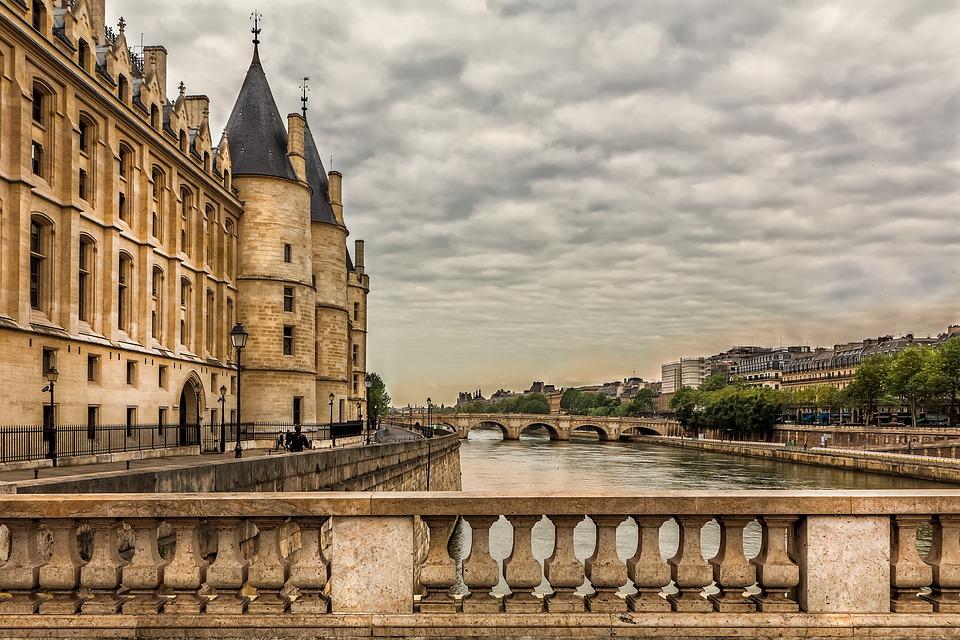 conciergerie paris luxe seine france